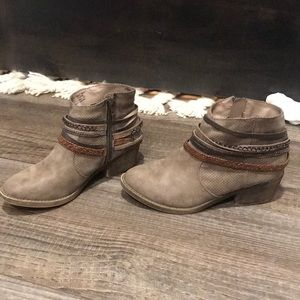 SO Womens boots